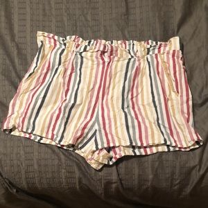 Plus-Size Stripe Shorts